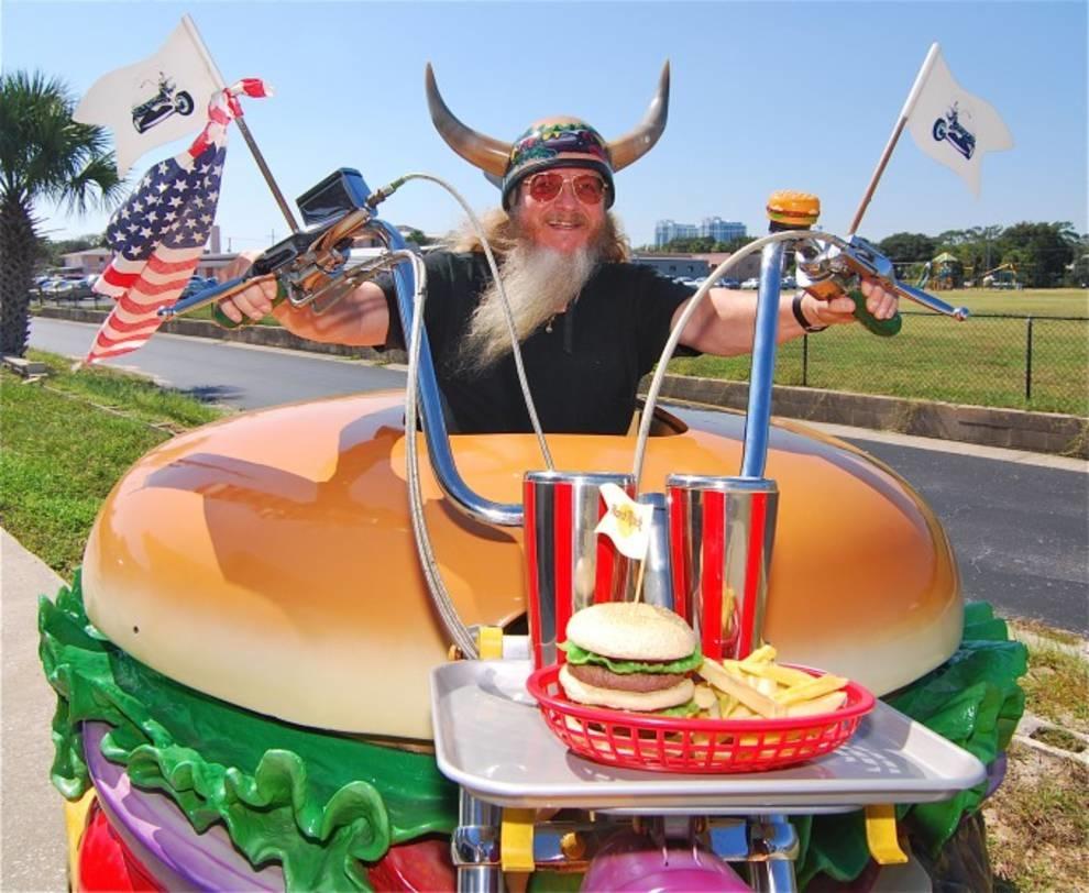 Гамбургеный Гарри: настоящий поклоннк американского фаст-фуда