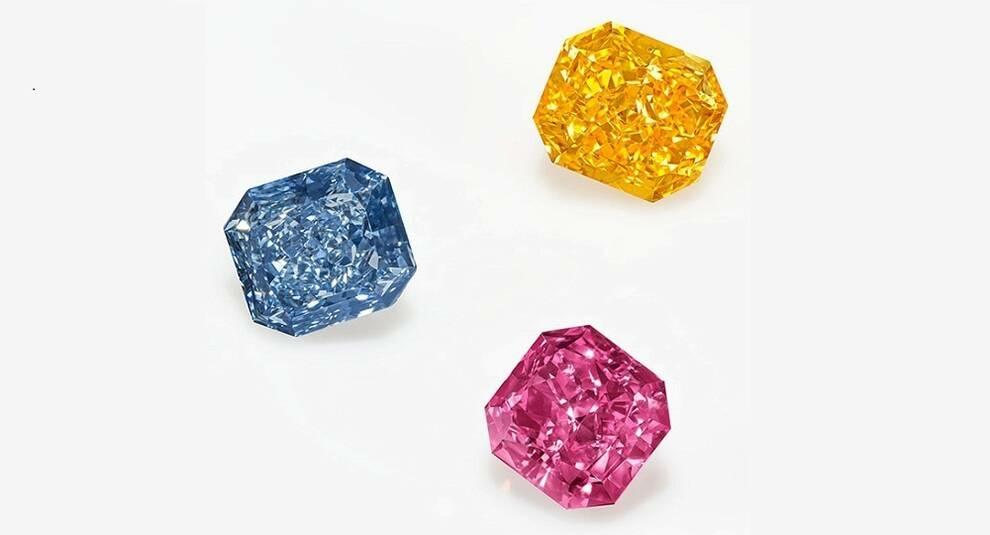 Тройка цветных бриллиантов продана на Christie's за 8,4 млн долларов