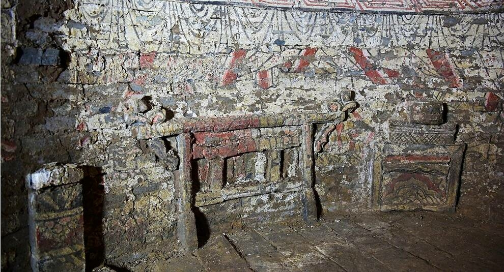 В восточной части Китая нашли украшенные фресками гробницы