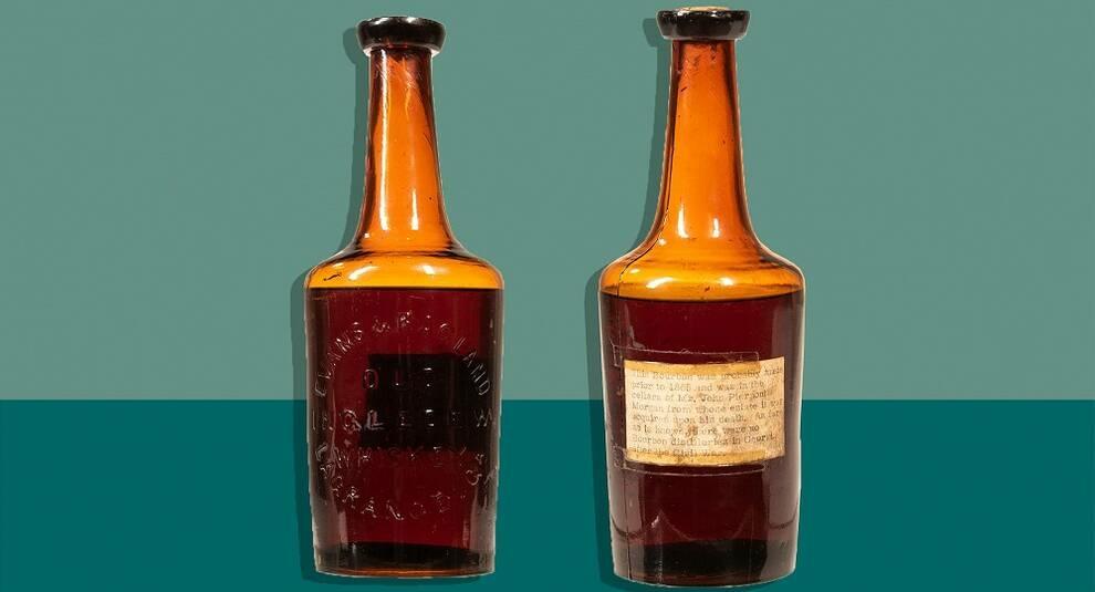 На Skinner Auctioneers продали старейшую бутылку виски за 137 тыс. долларов