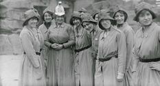 Женщины-пожарные в первой половине XX века