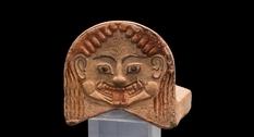 Горгонейон: устрашающий талисман с лицом горгоны Медузы