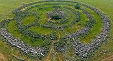 Сорок тысяч валунов: древний памятник Колесо духов