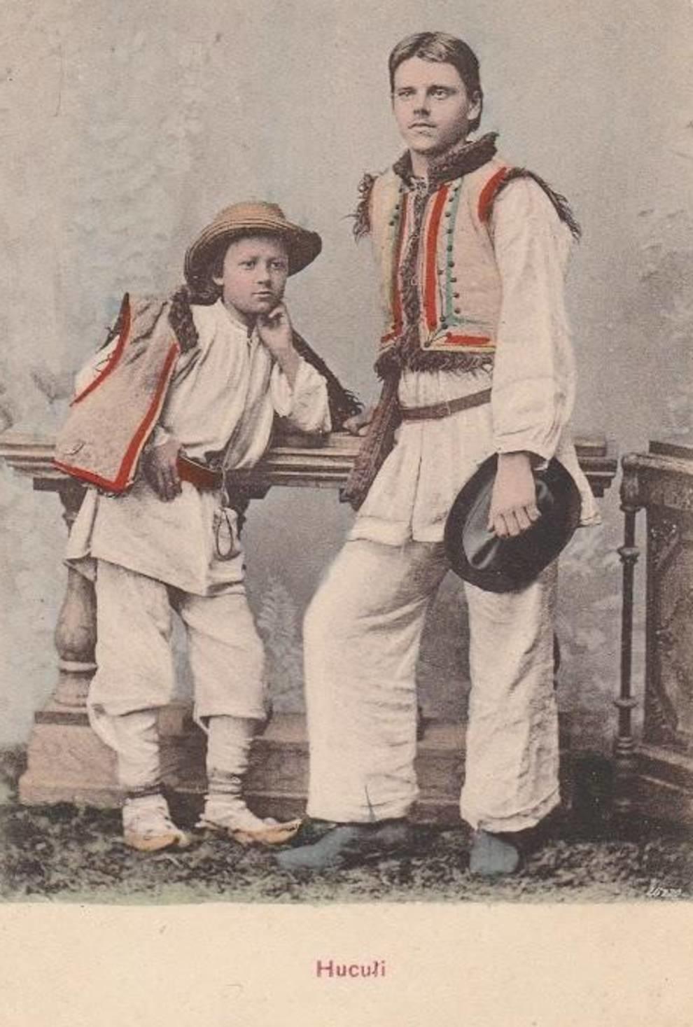 Безрукавки с укарашениями и платья с вышивкой: как одевались гуцулы в первой половине XX века