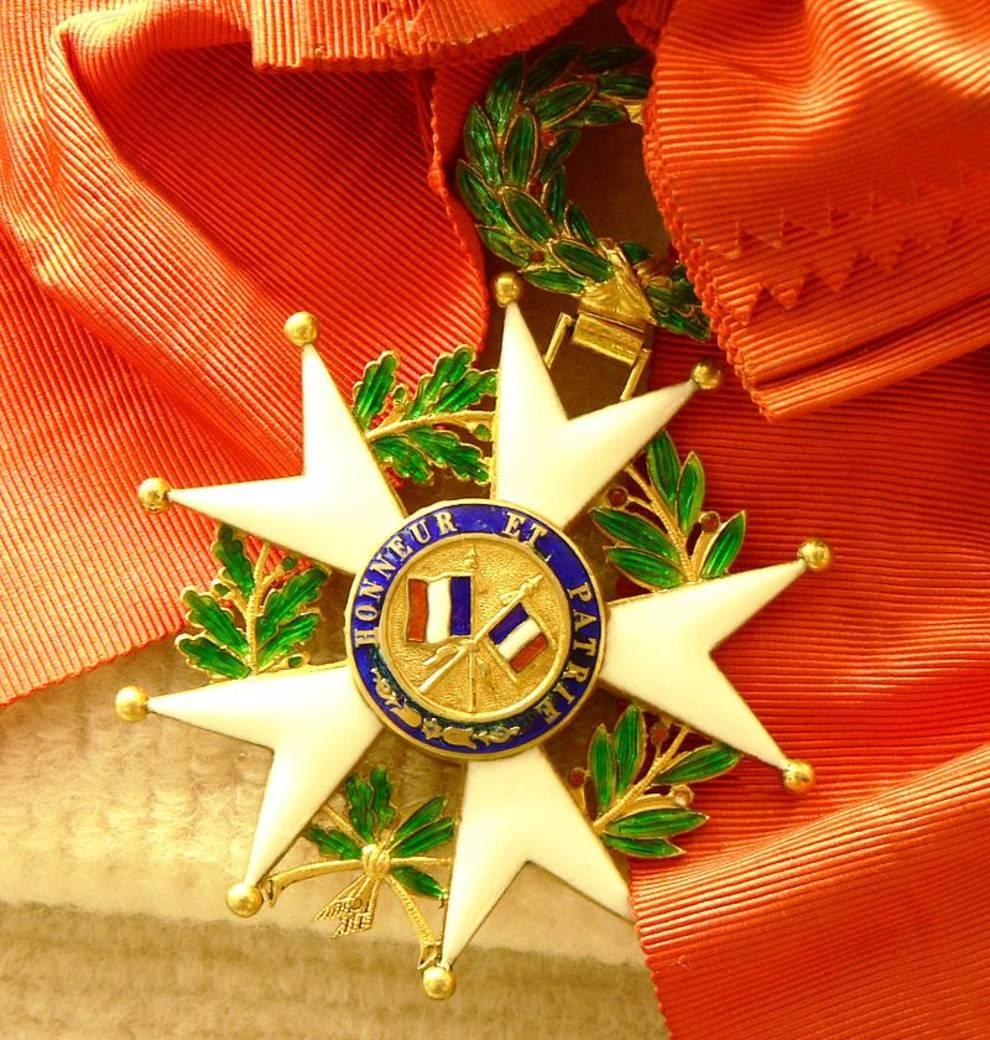 16 августа: награждение орденом Почетного легиона,