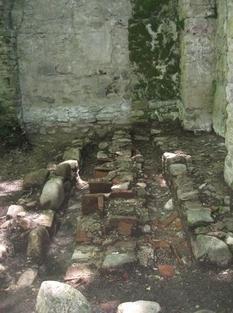 Грузинские археологи нашли средневековое сооружение с надписями на древнем языке