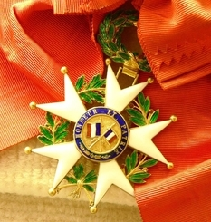 "August 16: awarding the Order of the Legion of Honor, ""Gold Rush"" by Charlie Chaplin and the crash of MD-82"
