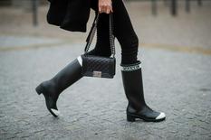 Дизайнеры рассказали, почему резиновые сапоги предназначены не только для дождливых дней