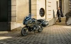 BMW презентовала свой первый туристический мотоцикл