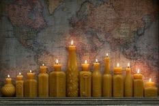 Творческий тандем создает дизайнерские свечи в виде рельефных бутылок