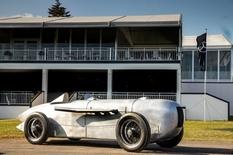 Mercedes-Benz покажет воссозданный гоночный автомобиль, построенный в 1932 году