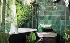 Драгоценные акценты в ванной — изумрудные цвета, которые смотрятся дорого и не банально