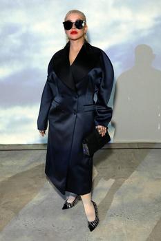 На лондонской Неделе моды Кристина Агилера показла 3 запоминающихся образа