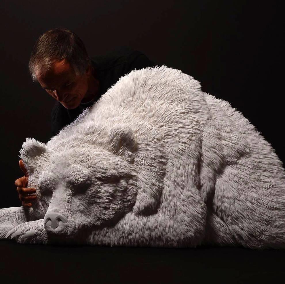 Канадец создает многослойные скульптуры из бумаги