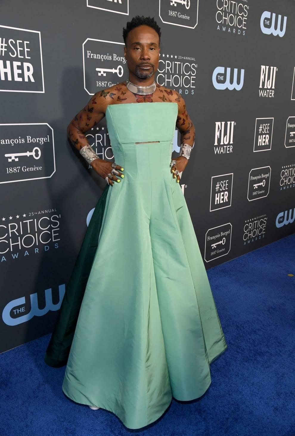 Публике на удивление: на премию Critics' Choice Awards Билли Портер одел платье