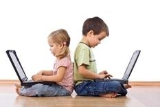 Дети и гаджеты: психологи рассказали, как бороться с зависимостью