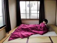 Разложить по полочкам: показали, как живут японские минималисты (Фото)