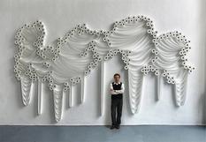 Рулонные абстракции: турецкий художник создает скульптуры из туалетной бумаги (Фото)