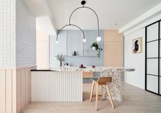 Светлые тона и спокойная обстановка — квартира от архитектурной студии NestSpace Design (Фото)