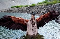 Как Малефисента: девушка создала движущие крылья, как у киношной чародейки (Фото)