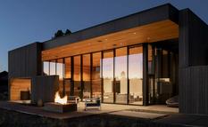 Архитекторы Hacker Architects создали дом для отдыха с внутренними двориками (Фото)