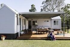 Архитекторы из Aussie Tiny Houses спроектировали дом, который помог сократить расходы (Фото)