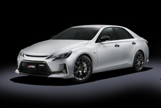 Mark X: new from Toyota with a roof made of carbon fiber
