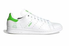 «Нелегко быть зеленым»: Adidas обновит классические кроссовки при помощи лягушонка Кермита