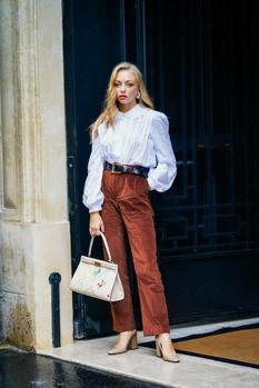 Быть в тренде: какие аксессуары носить этим летом