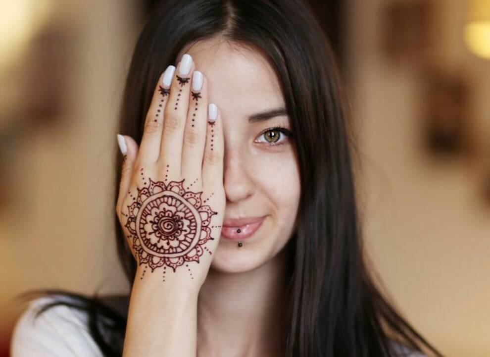 Мехенди: чем древнее искусство росписи по телу привлекает людей?