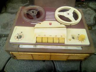 Бобинный магнитофон айдас 9м.ламповый СССР.прибалт