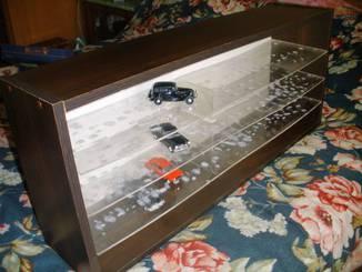 "Шкаф для моделей - ""violity"" аукцион антиквариата."