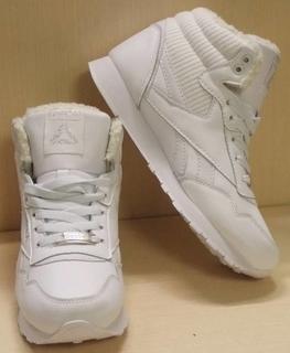 0110 Кроссовки Reebok на меху, цвет-Белый, материал-иск.кожа 36 размер Стелька 23.5 см