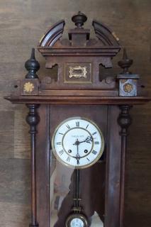 Часы стоимость настенные павла буре часов apple скупка