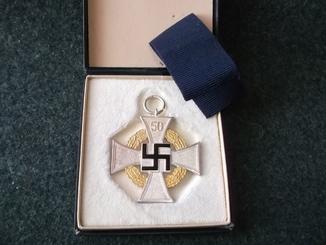 """Крест """" 50 лет гражданской выслуги""""."""