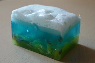 Мыло авторской ручной работы -Замерзший ручей- с ароматом лаванды и лимона 110 г