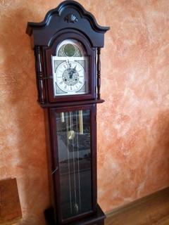 Напольные часы Tempus Fugit