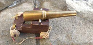 Настольная пушка.латунь