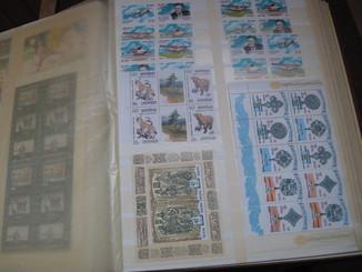 Большой лот марок Украины в альбоме SCHAUBEK,  MNH