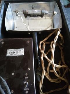Аппарат для кварцевания. Кварцевая лампа. Рабочая.1949 год