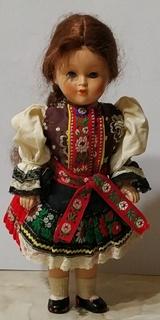 Кукла колекционная в национальном костюме, паричковые.