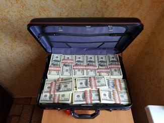 Сувенирные деньги 100$ + Дипломат, Сувенірні гроші 100 $
