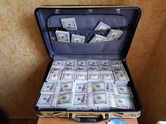 Дипломат + Сувенирные деньги 100$, Сувенірні гроші 100 $