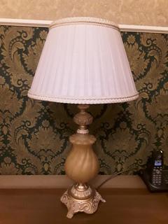 Итальянская настольная лампа