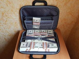 Сумка с деньгами 100$ Сувенирные деньги, Сувенірні гроші 100 $