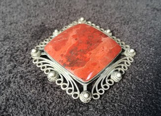 Брошь серебро 916 проба звезда камень яшма вес 18 грам