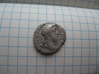 Денарий Коммод (184-189 год н.э.) Salus