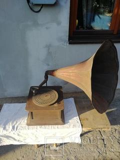 Грамофон на реставрацию (Швейцария Swiss made)