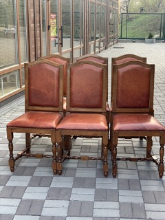 Набор деревянных стульев. Винтаж. Европа