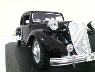 "Citroën Traction Avant  М.1:18 ""Maisto"""